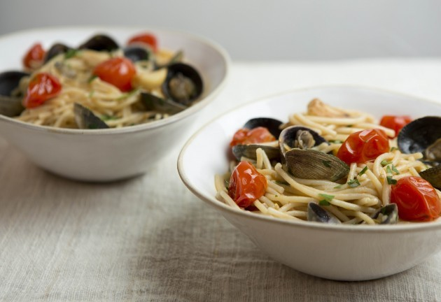 gluten-free spaghetti with clams